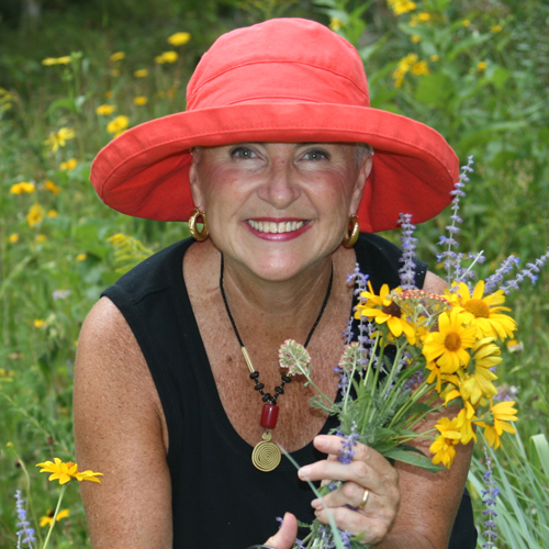 Janet Davis - red hat - 3x3