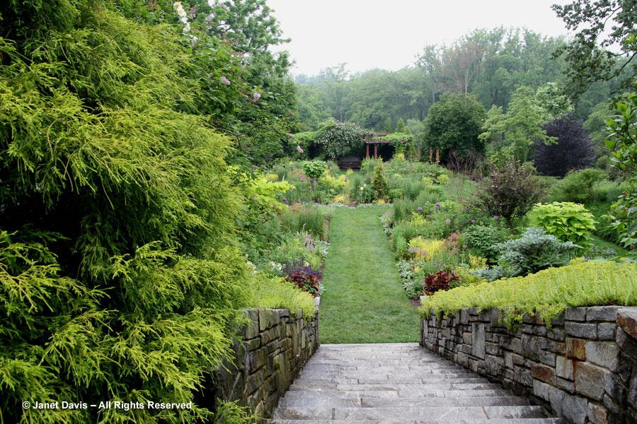 08-Stairs to Tennis Garden