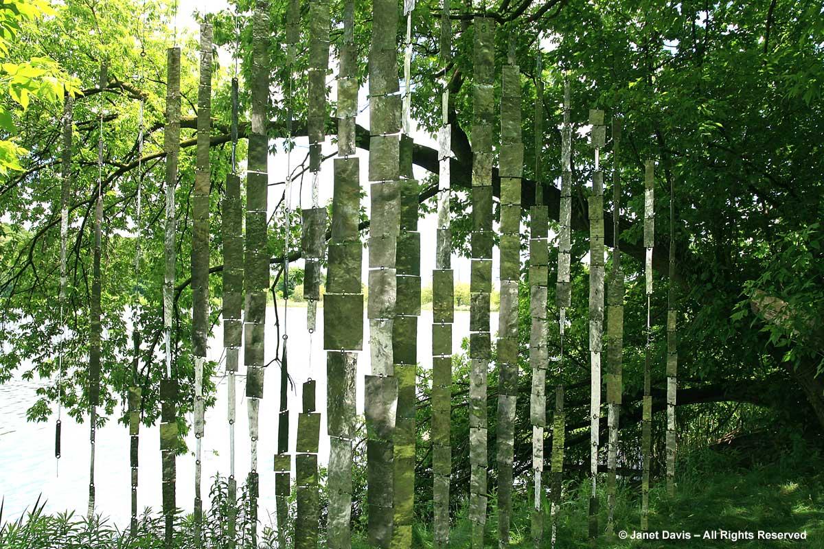 Hanging sculpture-Wojtek Biczysko