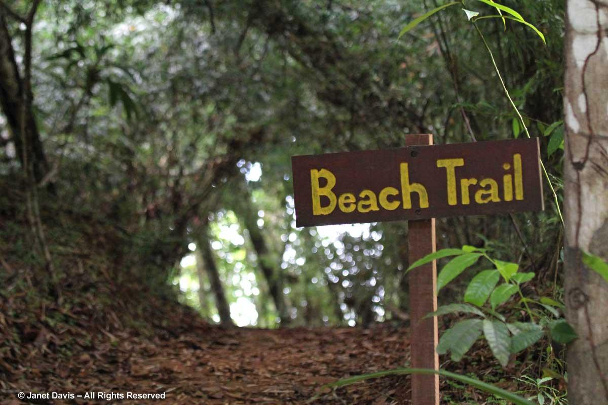 Beach trail sign-El Remanso Lodge