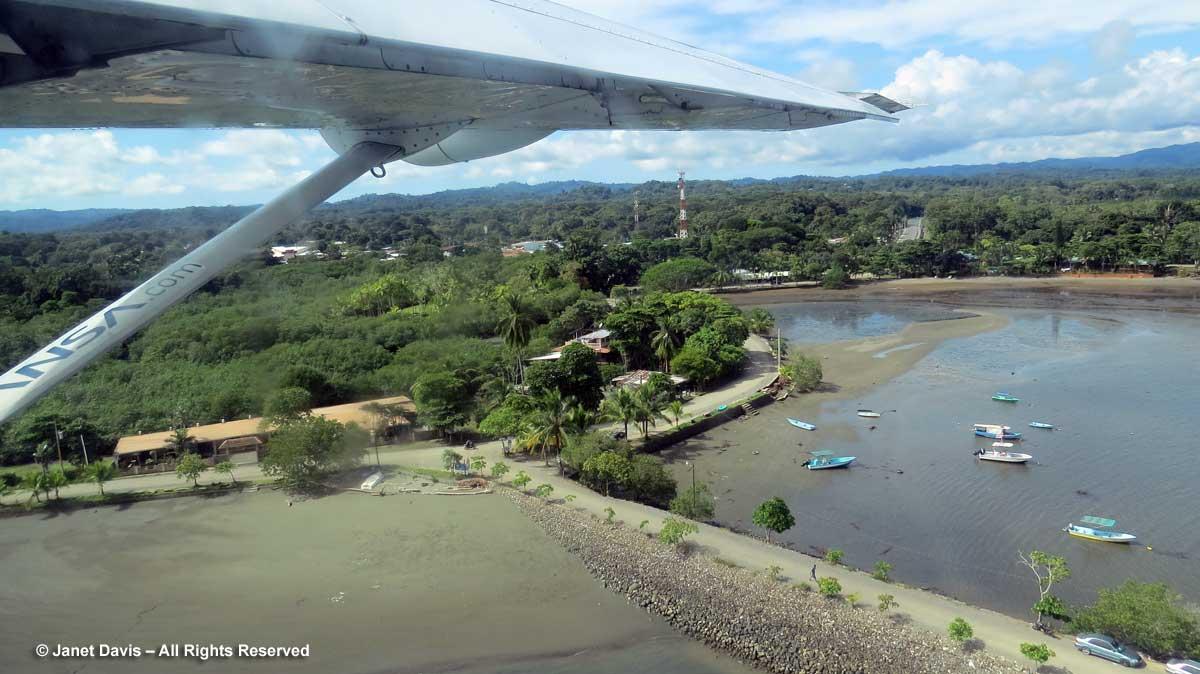 Puerto Jimenez harbour & public pier
