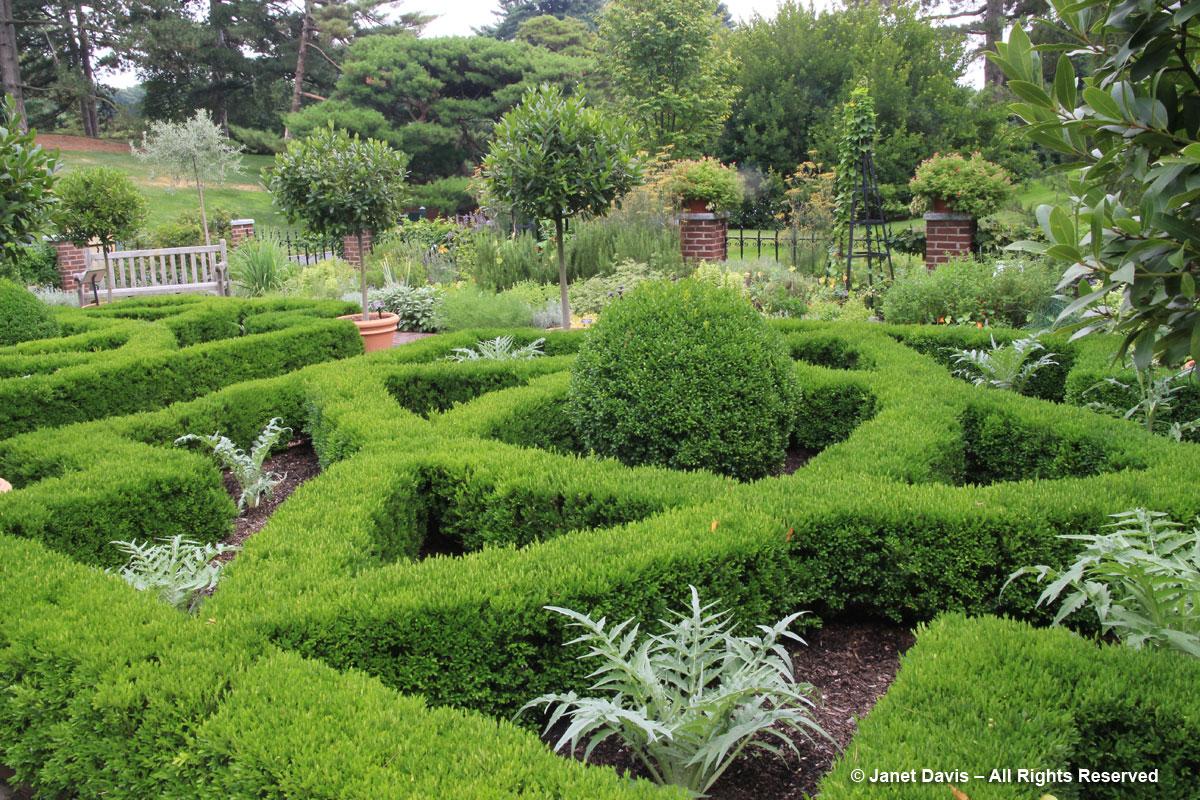 NYBG-Nancy Bryan Luce Herb Garden (1)