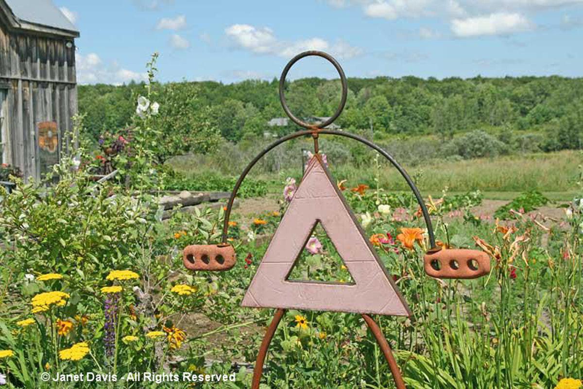 Artful Garden-Metal Sculpture