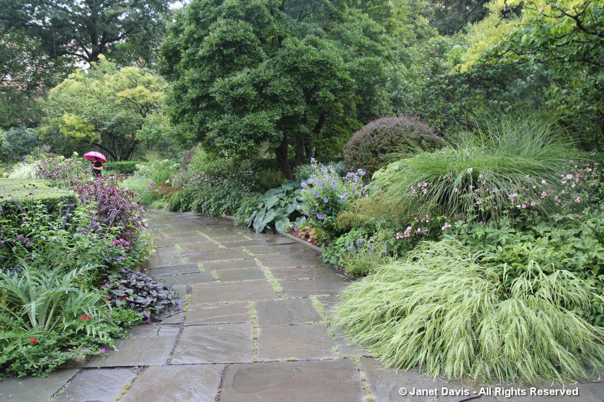 Conservatory Garden-Borders1