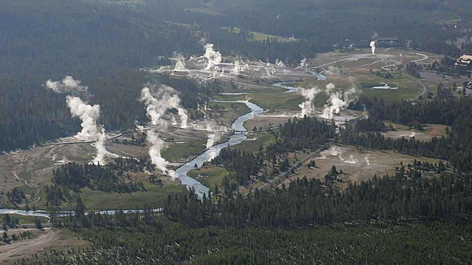 13-upper-geyser-basin-national-park-service