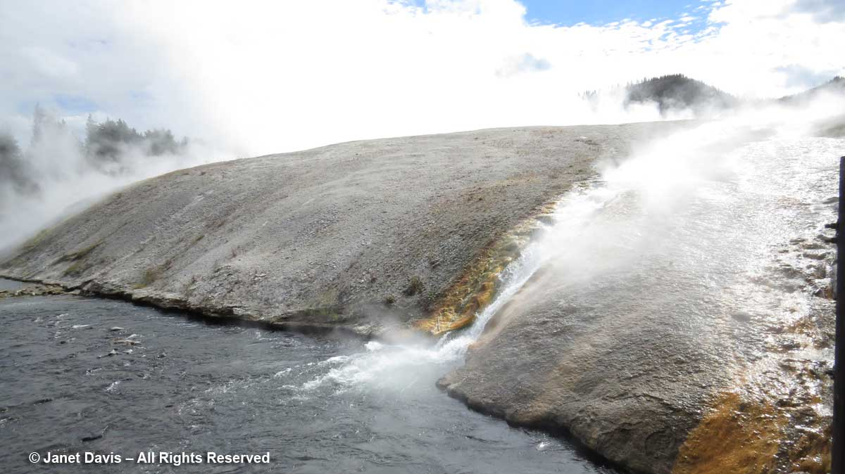 32-excelsior-geyser-outflow