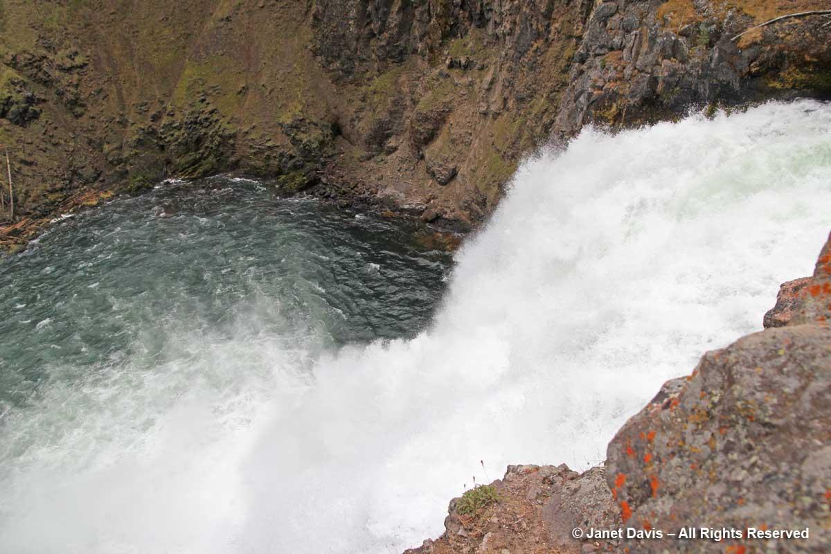 58-brink-upper-falls-yellowstone