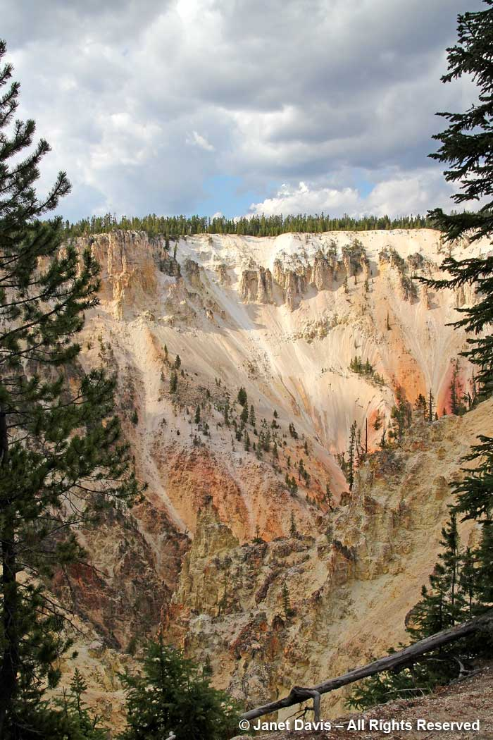 63-yellowstone-pinnacles