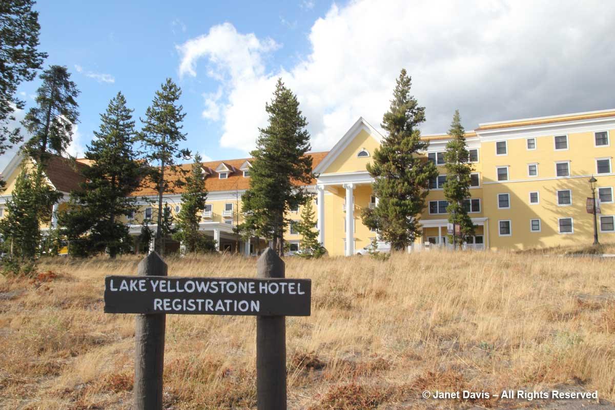 65-lake-yellowstone-hotel