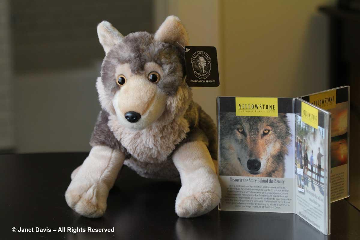 67-yellowstone-wolf-toy