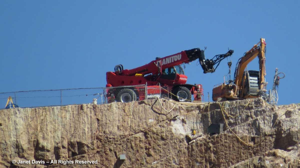 Crazy Horse-heavy machinery