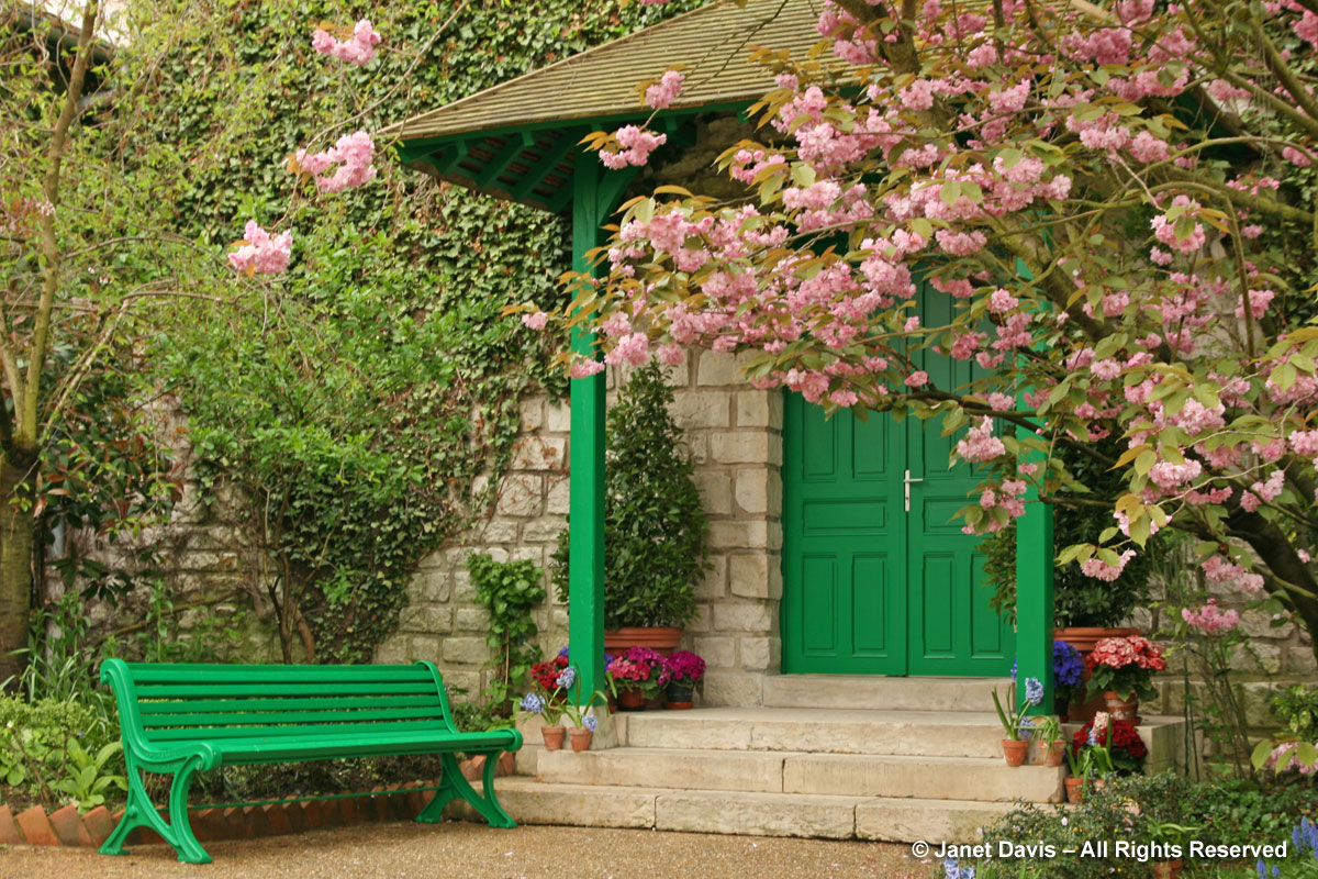 Giverny-Monet's Garden-Green bench & door-Japanese cherry