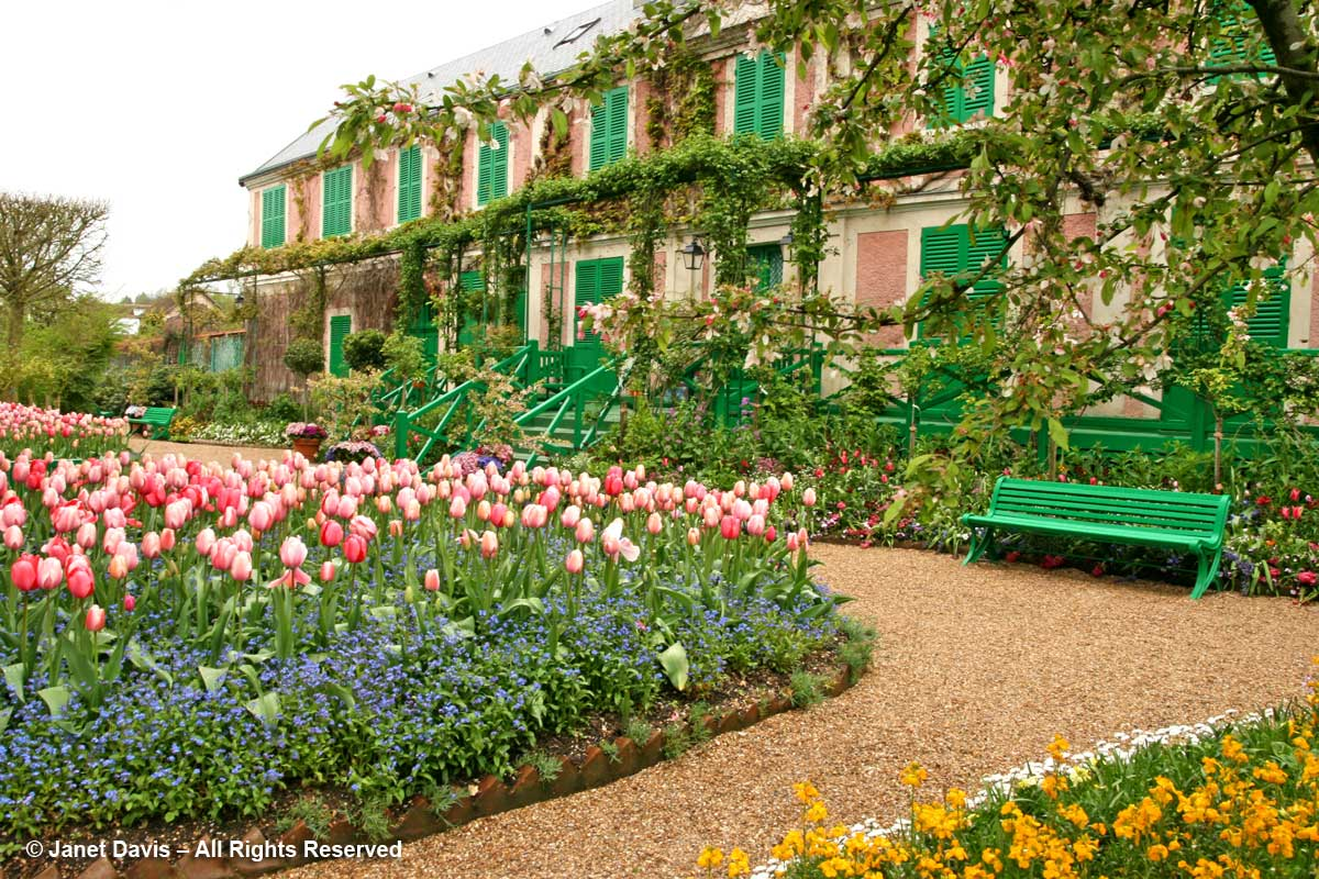 Giverny-Monet's House in sprigtime