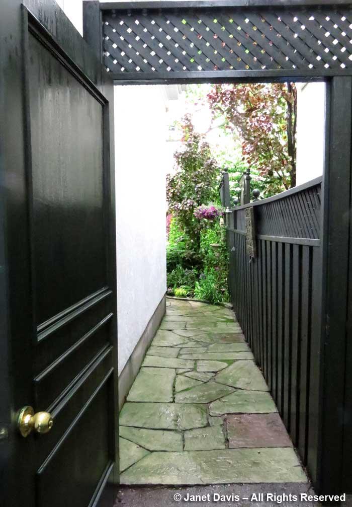 Toronto Botanical Garden-Through the Garden Gate-2017-door & path