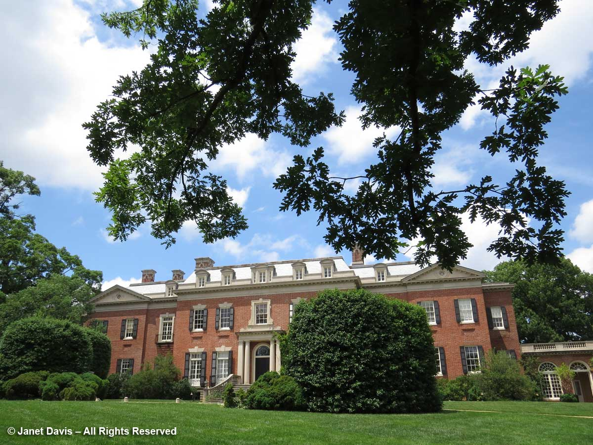 Dumbarton Oaks-House and Quercus
