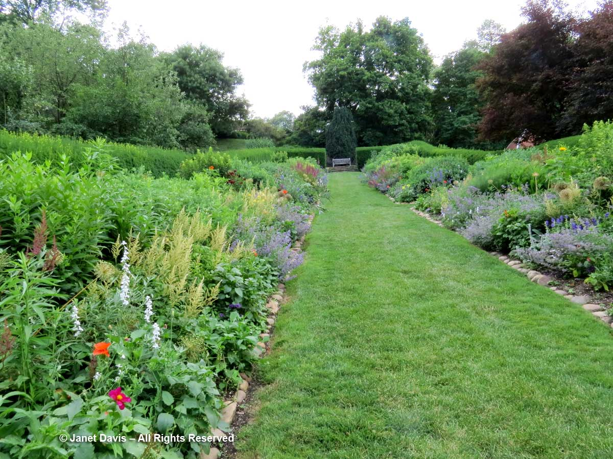 Herbaceous border-1-Dumbarton Oaks