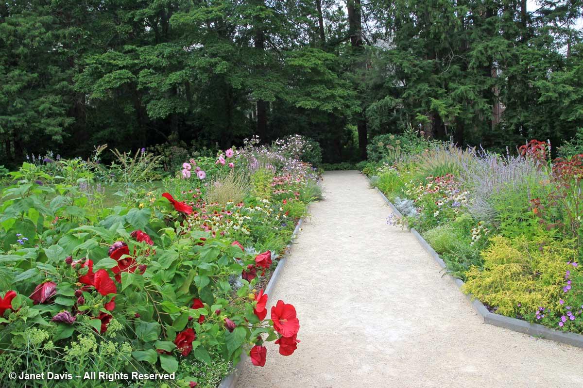 Prospect House Garden-Princeton-August (2)