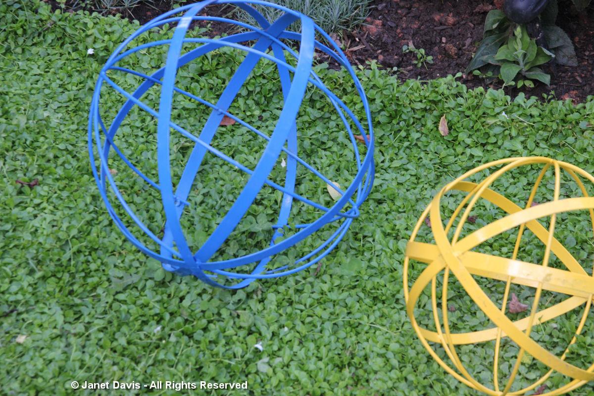 Sphere-Linda Hostetler