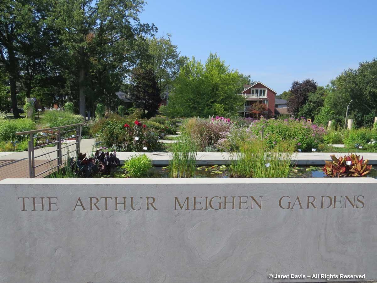Arthur Meighen Gardens-Festival Theatre