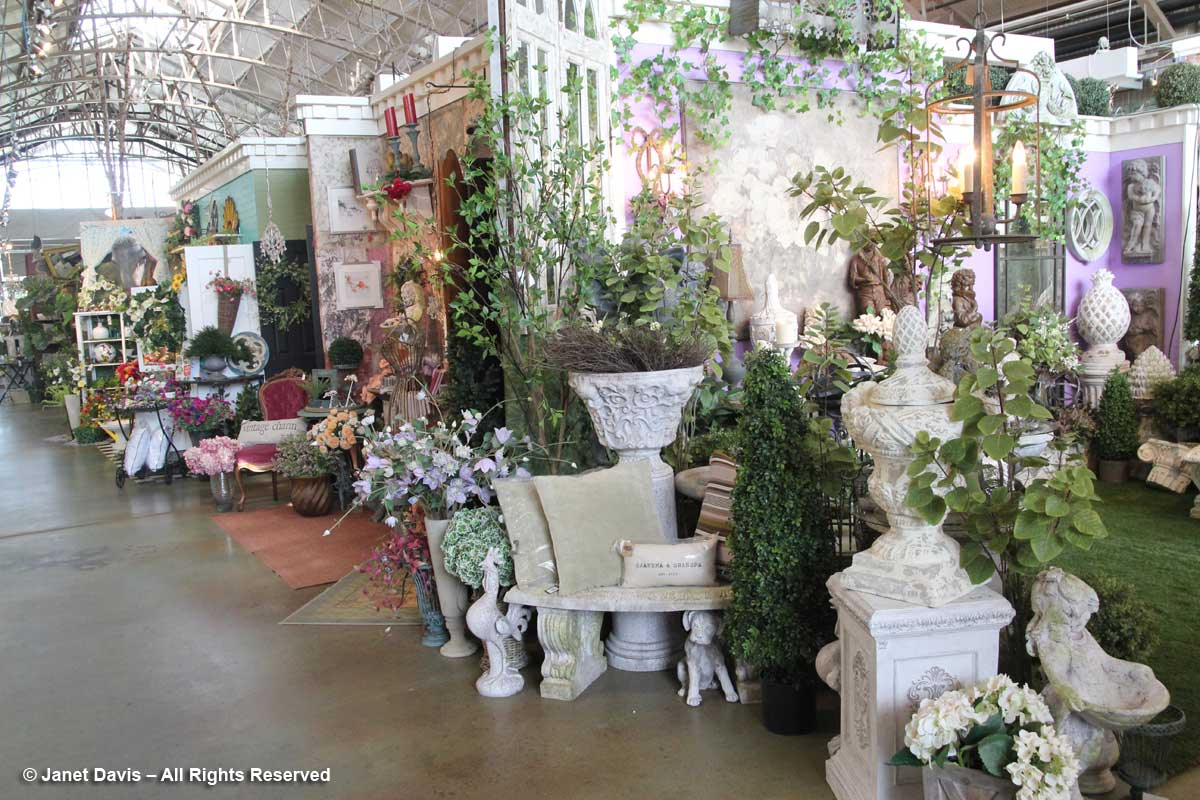 Merrifield Garden Center Decor