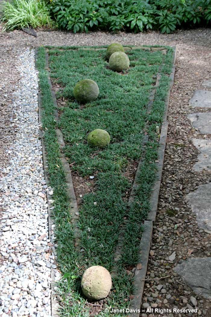 Peg Bier-Mondo Grass-triangle