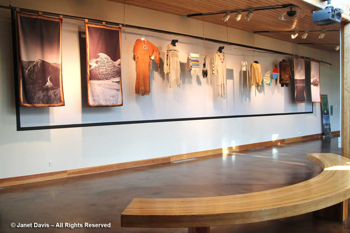 Plains Indians-clothing-Wanuskewin