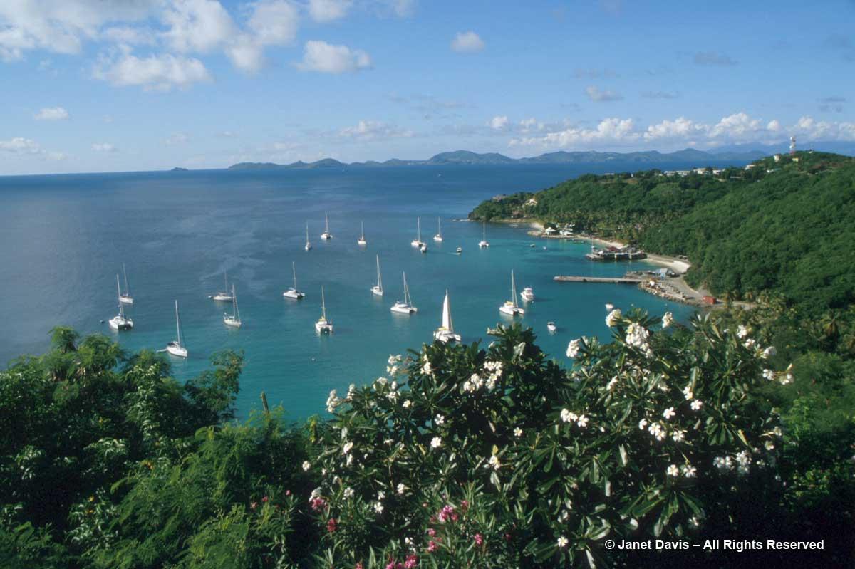 2004-Mustique-Brittania Bay
