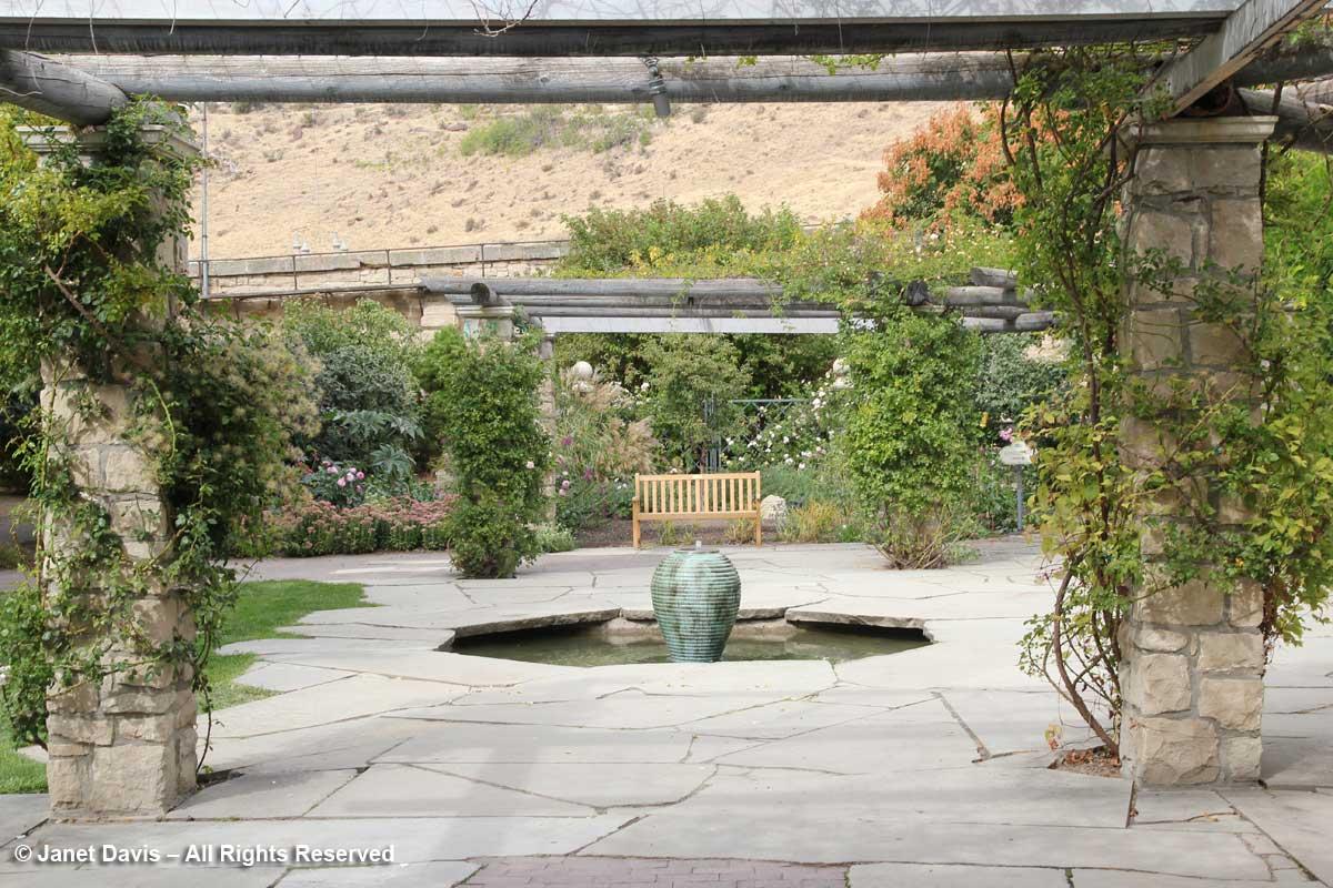 Janet davis explores colour in the garden the world for English terrace