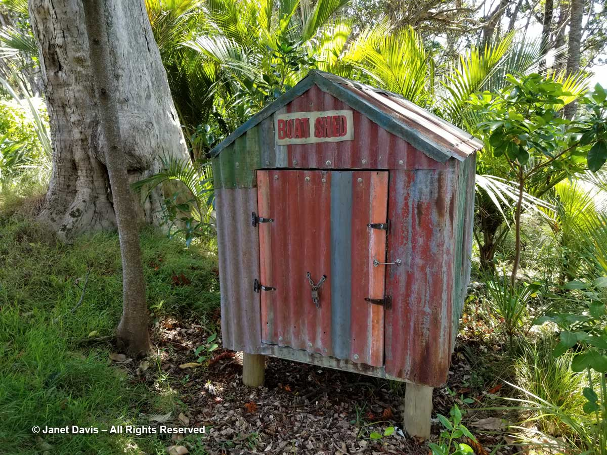Boat shed-Jeff Thomson-Omaio