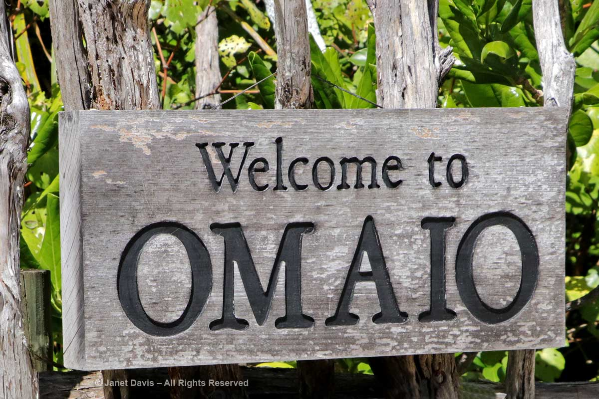 Omaio-Garden Welcome-Sign