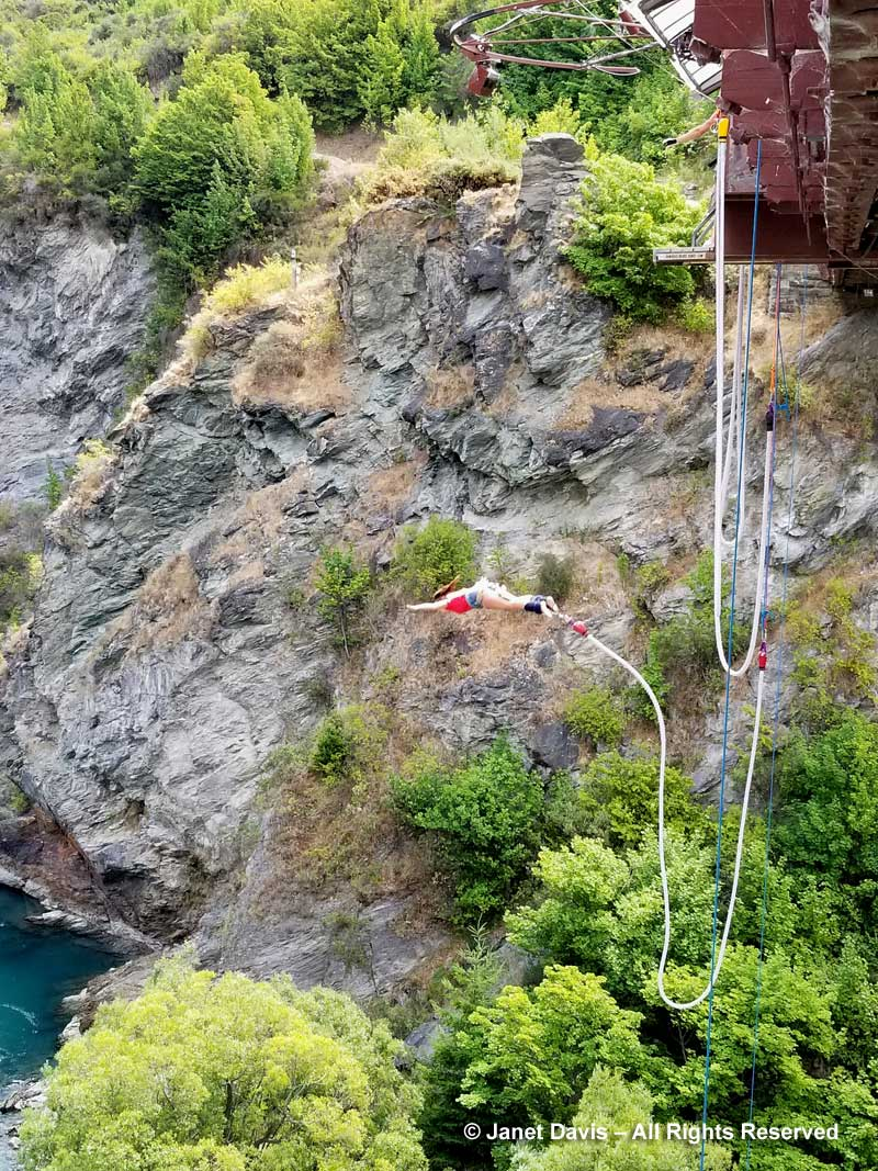 Bungy-jumping-Kawarau Bridge-Otago